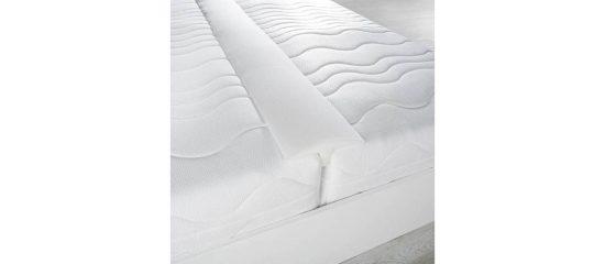 Výplň mezi matrace Matracová výplň určená k vyplnění mezery mezi dvěma matracema či postelema, které jsou k sobě přisunuté.