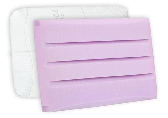Jádro z pružné gelové pěny, která dýchá Nepřehřívá a je velice odolná. Polštář je opatřen luxusním potahem Medicott SilverGuard s obsahem bavlny. Omezuje pocení a je pratelný na 60 °C.